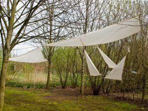 C4122801_expositie in de tuin bij Folz in Meeden